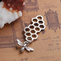 3D Bee with Honeycomb